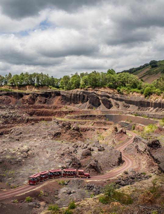 Visite en train du Volcan de Lemptégy